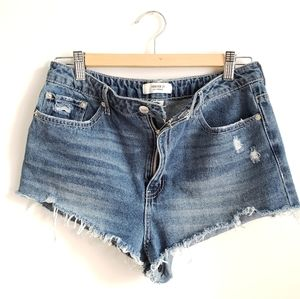 Festival Distressed Jean Shorts Size 31